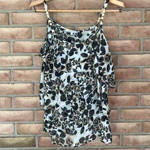 Quintessential size XL strappy top